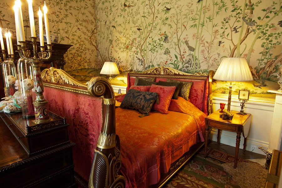 chatsworth-house-bed-night-scene