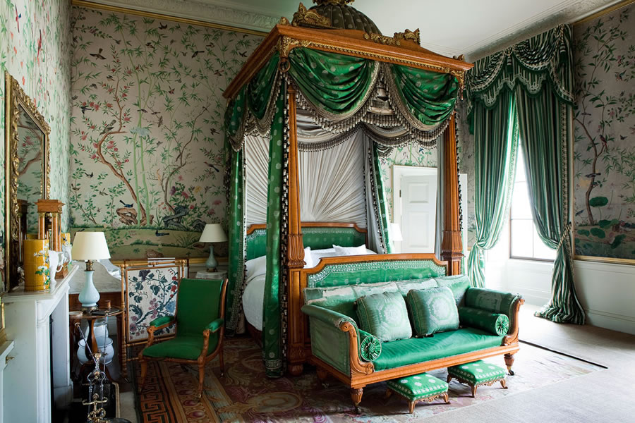 chatsworth-house-bedroom